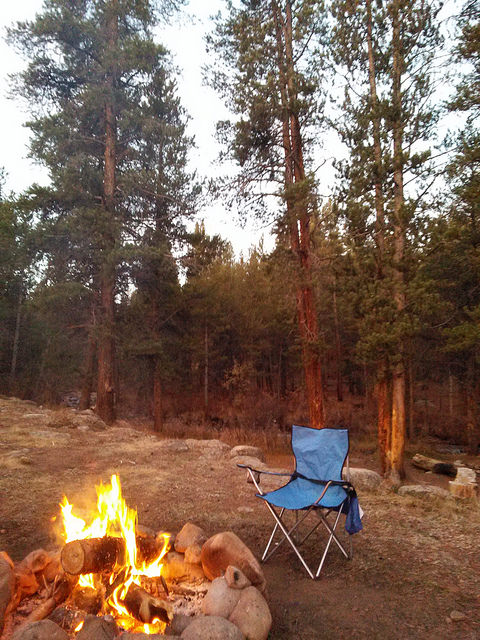 When you wake up before everybody and would like to enjoy the warmth of a campfire with your sunrise <3